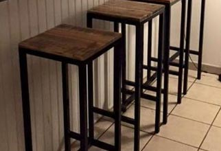 4PF - pallet wood and metal stools